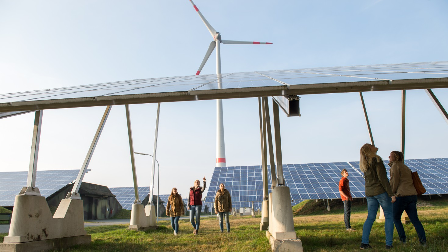 Which policies drive renewable energy development in Europe? PHOTO:German youth visiting a renewable energy park in Saerberg. Credit: Bente Stachowske, Greenpeace.