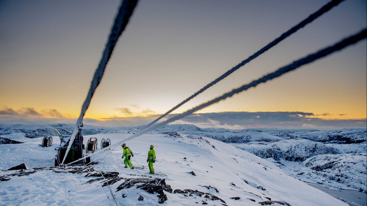FOSEN VIND company is currently building what will be europe's biggest on-shore wind-power plant, from hitra To ROAN (image) in the fosen district of mid-norway. EFFEcT: 1000 MW in total. CICERO researchers will study the social reception of the project. FOTO: ole martin wold