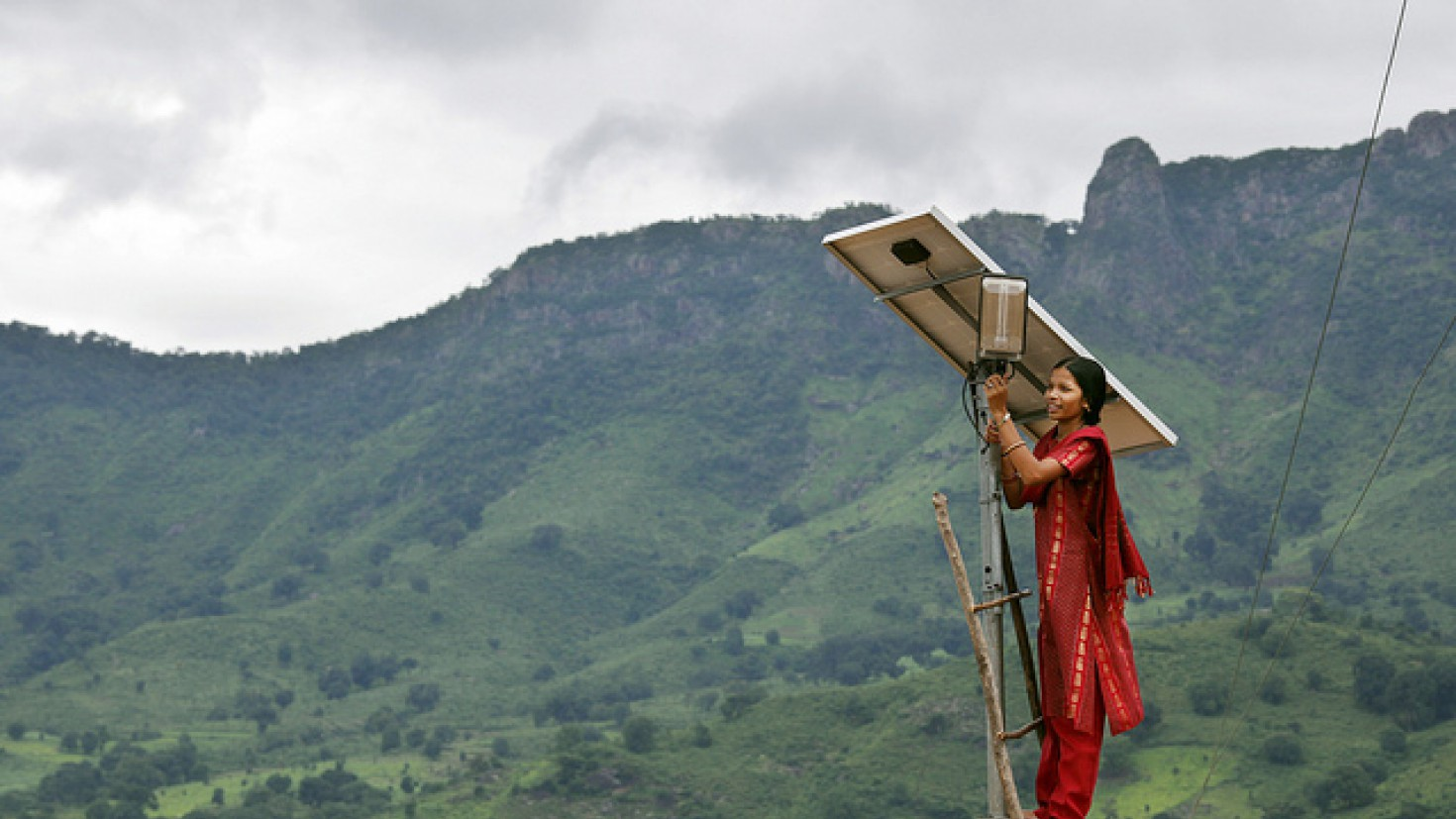 the expert network on second opinions sits on climate knowledge from across the world. Photo: SOLAR energy project in India by UK Department for International Development