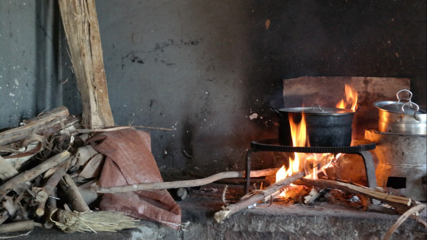 Traditional cooking wood in ethiopia. photo: kristin aunan
